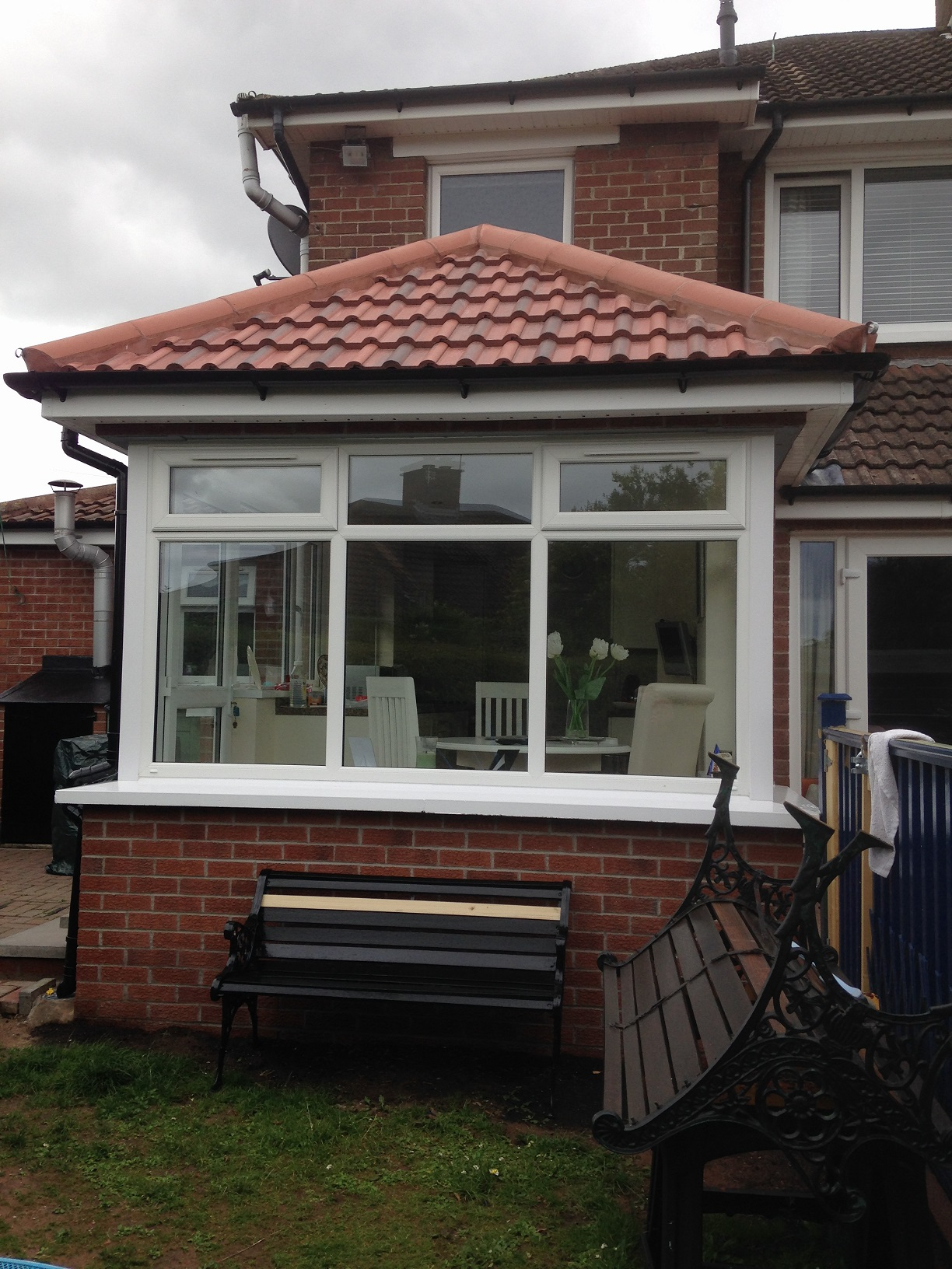 Extension – with new kitchen & tiling